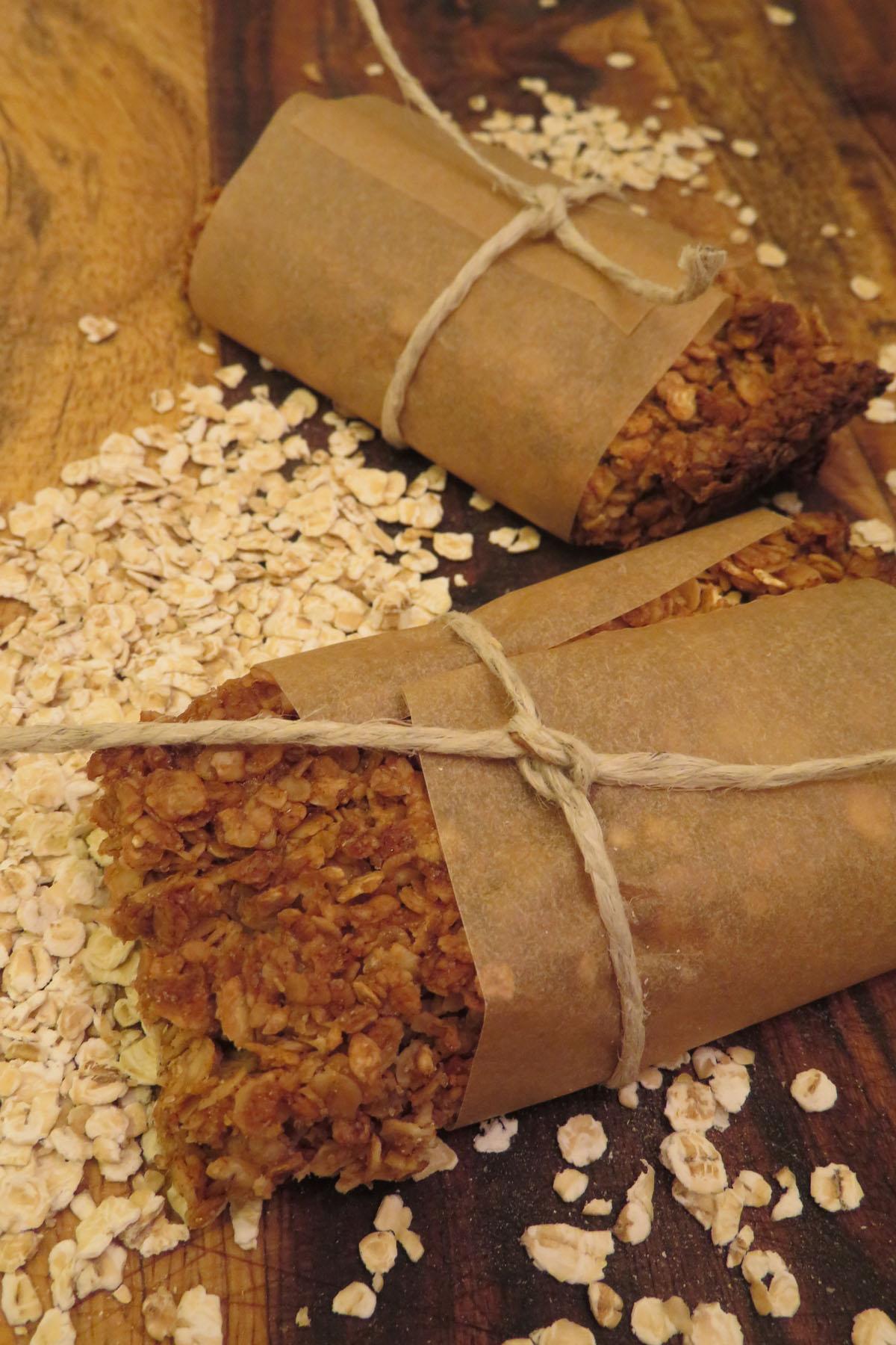 Cinnamon Oat Granola Bar (1)