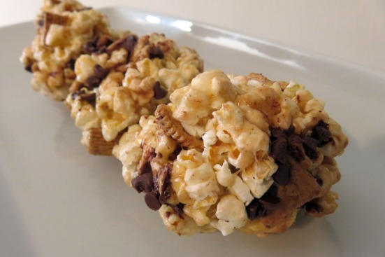 smores popcorn ball by Sweet Jumbles (1)